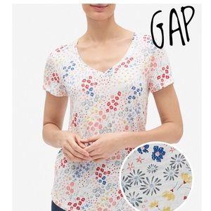 GAP Easy Print Floral V-Neck T-Shirt in Slub M